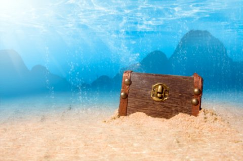 Vero Beach Florida treasure chest under water