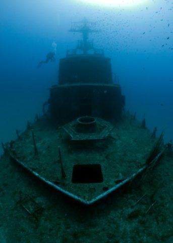 Delray Beach Forida shipwreck on ocean floor